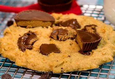 One - Minute Peanut Butter Protein Cookies