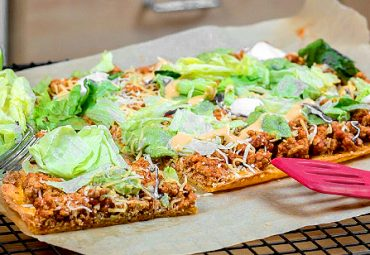 Low-Carb Keto-Friendly Cheesy Taco Pizza
