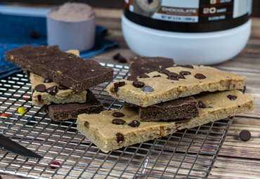 Quick Bake Peanut Butter Chocolate Chip Protein Bars