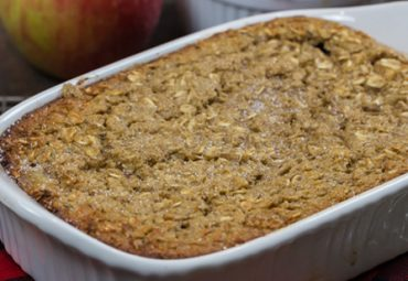 Baked Protein Apple Pie Oatmeal