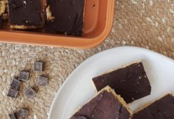 No-Bake Peanut Butter & Chocolate Protein Bars