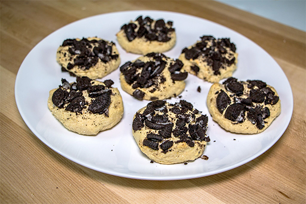 Cookies & Cream Protein Cheesecake Cookies